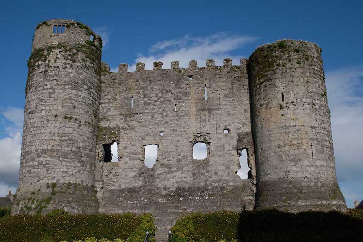 Carlow Castle with blue sky backdrop, Accountant in Carlow | Lalor O'Shea McQuiullan